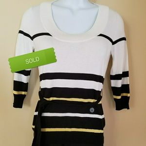 *SOLD**New York & Company Sweater NWT Light Weight